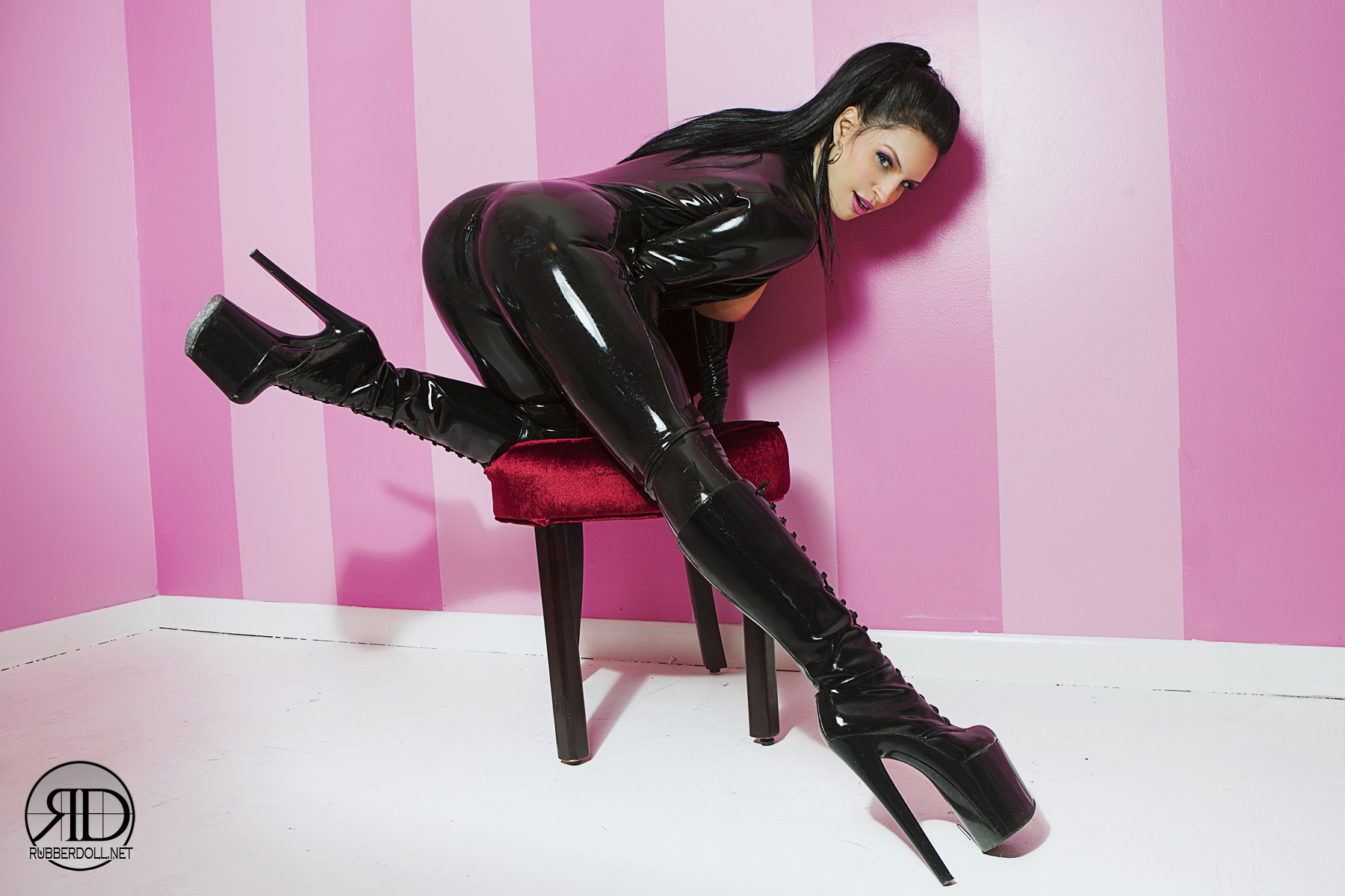 http://rubberdoll.net/images/newsletter7.jpg